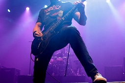 alterbridge131104_hl_4256-16