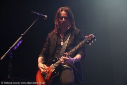alterbridge131104_hl_4315-24