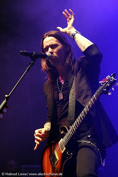 alterbridge131104_hl_4237-14