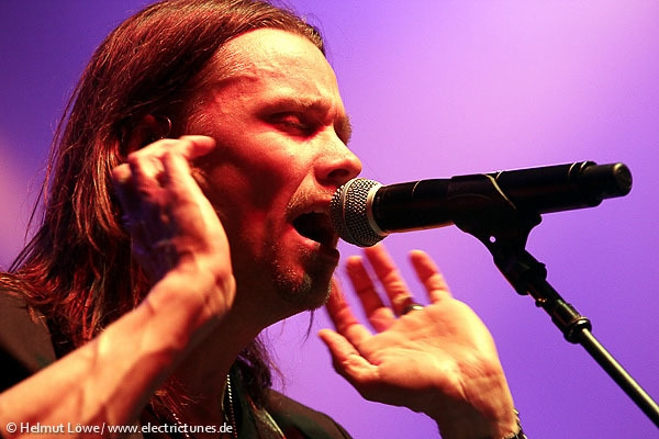 alterbridge131104_hl_4430-39