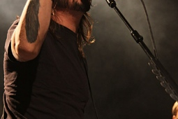 foofighters110228-melchior_022