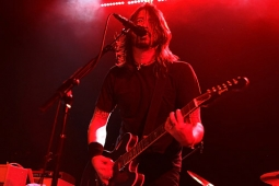 foofighters110228-melchior_033