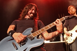 foofighters110228-melchior_040