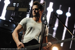 kingsofleon130620-23