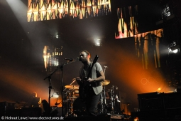 kingsofleon130620-31