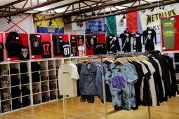 metallica-pop-up-shop170913_hl-52