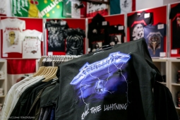 metallica-pop-up-shop170913_hl-58