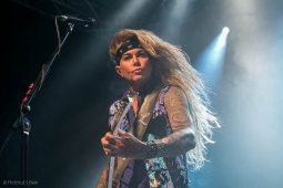 steelpanther191109_hl-2214