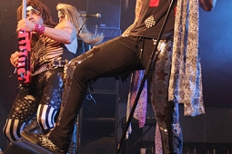 steelpanther120320_0909