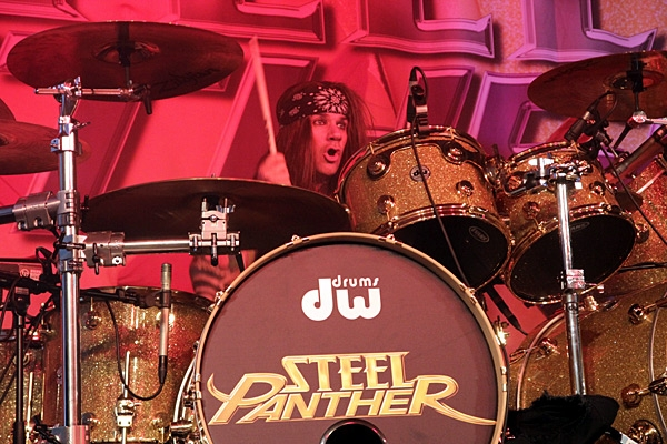 steelpanther120320_0715