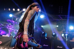 steelpanther121103_hl_4933