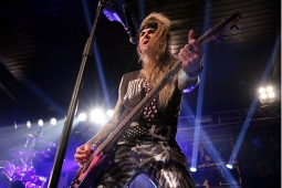 steelpanther121103_hl_4937