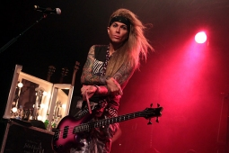 steelpanther121103_hl_5070