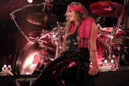 steelpanther121103_hl_5116