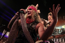 steelpanther121103_hl_5184
