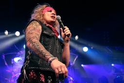 steelpanther121103_hl_4855