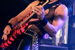 steelpanther121103_hl_4982