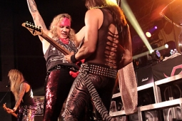 steelpanther121103_hl_5137