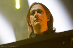 thecure161110_hl-27