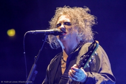 thecure161110_hl-29