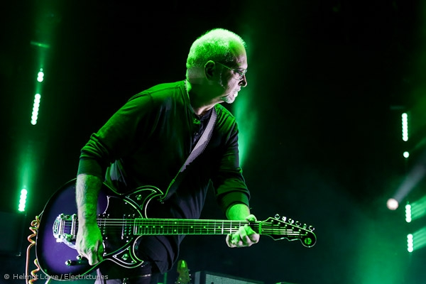 thecure161110_hl-34