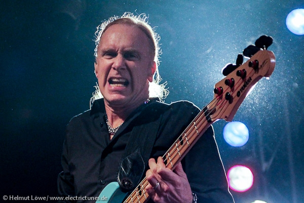 winery-dogs160129_hl-25