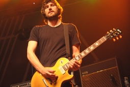 wolfmother100130_0390_hl_500x336