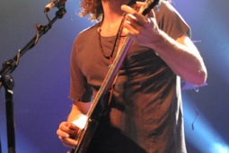 wolfmother100130_0413_hl_336x500