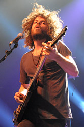 wolfmother100130_0413_hl_165x250